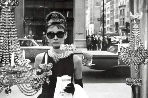 Audrey-Hepburn-Breakfast-at-Tiffanys-Window-Shopping-in-Black-and-White-Movie-Poster-Print-24-by-36-Inch-0