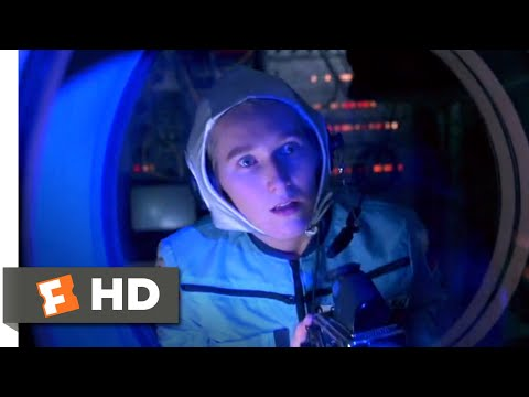 Virus (1998) – Space Station Power Surge Scene (1/10) | Movieclips